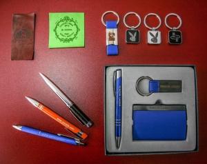Graviranje reklamnog materijala laserom, laserska štampa na reklamnoj galanteriji, gravura laserom na olovkama, rokovnicima, privescima, ambalaži